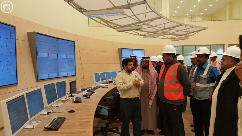 معالي محافظ المؤسسة العامة لتحلية المياه المالحة الدكتور عبدالرحمن بن محمد آل إبراهيم 2