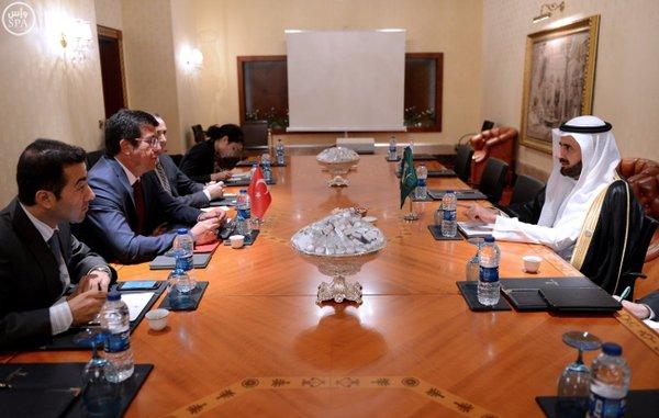 معالي وزير التجارة والصناعة الدكتور توفيق بن فوزان الربيعة