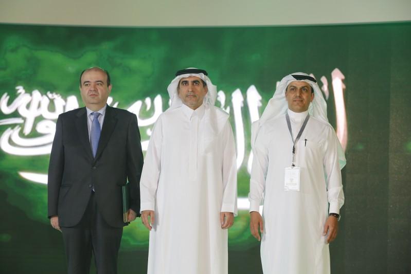 معالي وزير التعليم ومدير عام مدراس الرياض ومدير عام مؤسسة ريال مدريد خلال السلام الملكي
