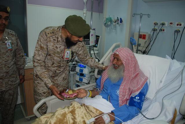 معايدة المرضى بمستشفيات القوات المسلحة بالجنوب (371034525) 