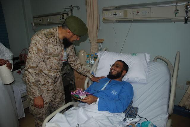 معايدة المرضى بمستشفيات القوات المسلحة بالجنوب (371034529) 