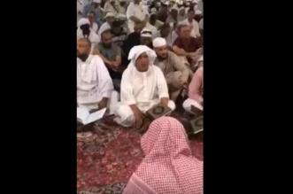 بالفيديو.. معتمر مصري يبهر زوار المسجد النبوي بصوته الشجي - المواطن