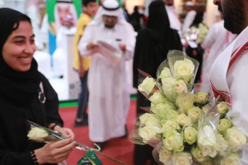 بالصور.. معرض الكتاب يوثق العلاقات السعودية الإماراتية في فيلم خلوة العزم - المواطن