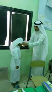 معلم يعزز الانتماء