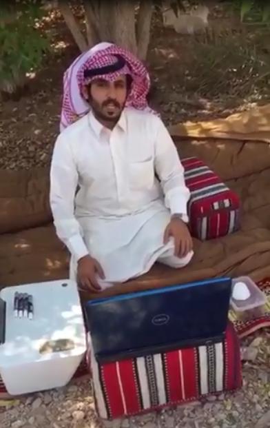 شاهد.. مُعلم بلا كهرباء يوثق معاناته مع مهنة التدريس - المواطن