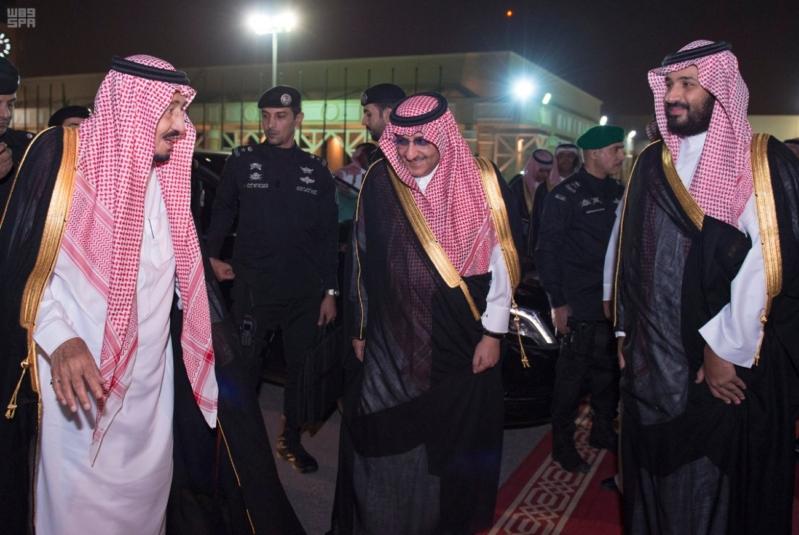 مغادرة الملك الى قطر 1