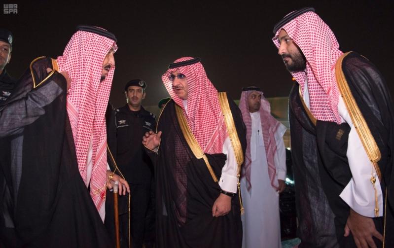مغادرة الملك الى قطر 3