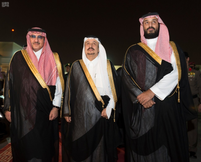 مغادرة الملك الى قطر 5