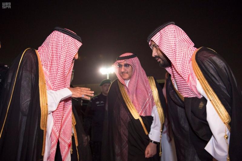 مغادرة الملك الى قطر