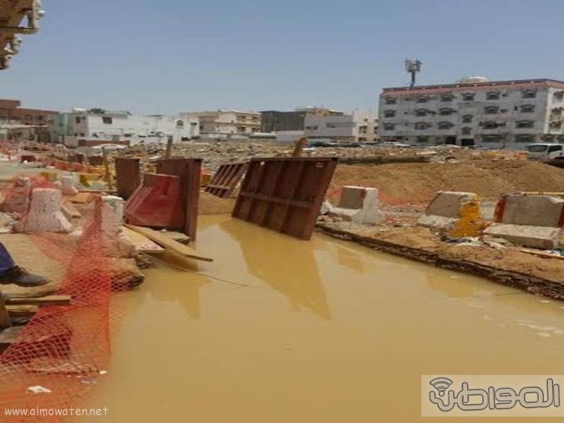 مقاول يخادع الأهالي بإزالة تاريخ الانتهاء من أحد المشروعات (218768301) 