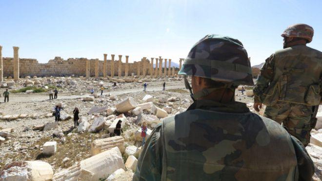 مقبرة جماعية في تدمر بسوريا
