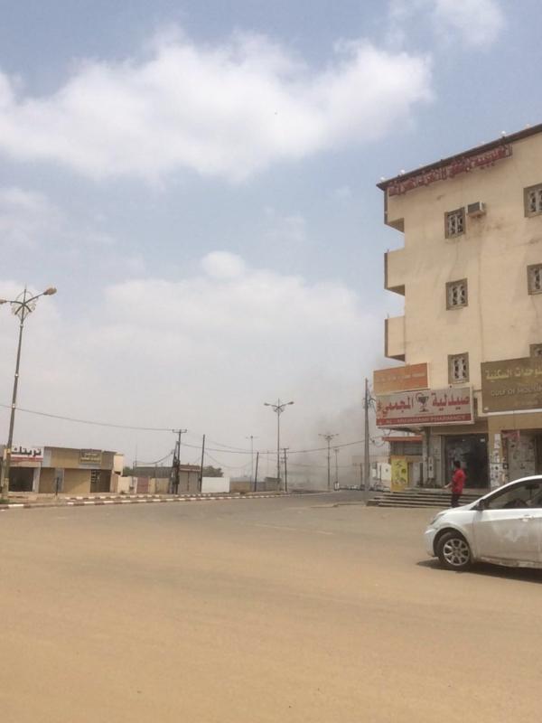 مقذوفات الحوثي بلدية الطوال (3)