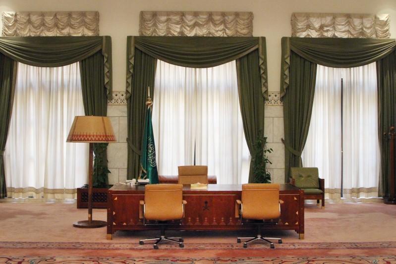 مكتب-الملك-بقصر-الحكم (3)