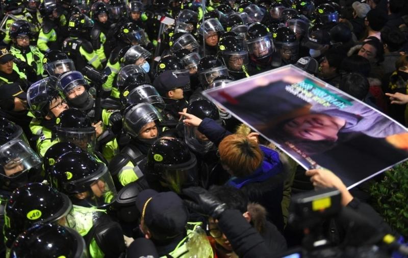 """""""مليونية"""" في كوريا الجنوبية تطالب باستقالة الرئيسة 6"""