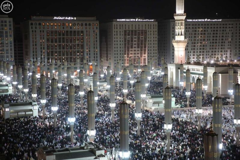 مليون مصلي يشهدون ختمام القران الكريم