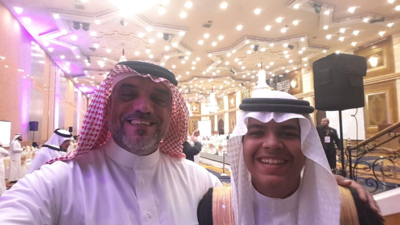 منصور الغامدي يحتفل بتخرج نبيل (30376833) 