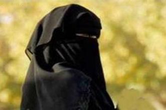 سعودية تضرب المثل في الوفاء وترافق زوجها المريض ربع قرن - المواطن