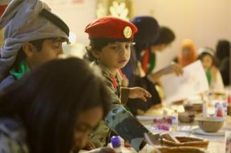 """بالصور.. زيارة أهالي الشهداء لمهرجان الإبل فخر واعتزاز.. والأطفال: """"حنّـا جنود سلمان"""" - المواطن"""