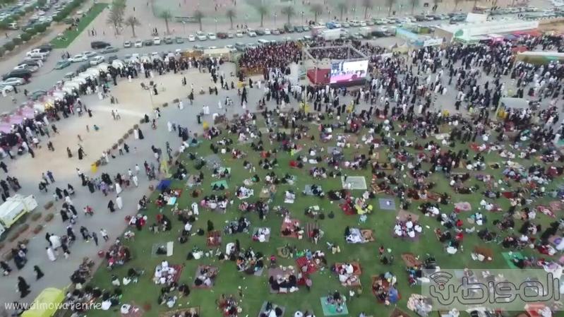 مهرجان ربيع الرياض كما بدا مساء اليوم الجمعه5