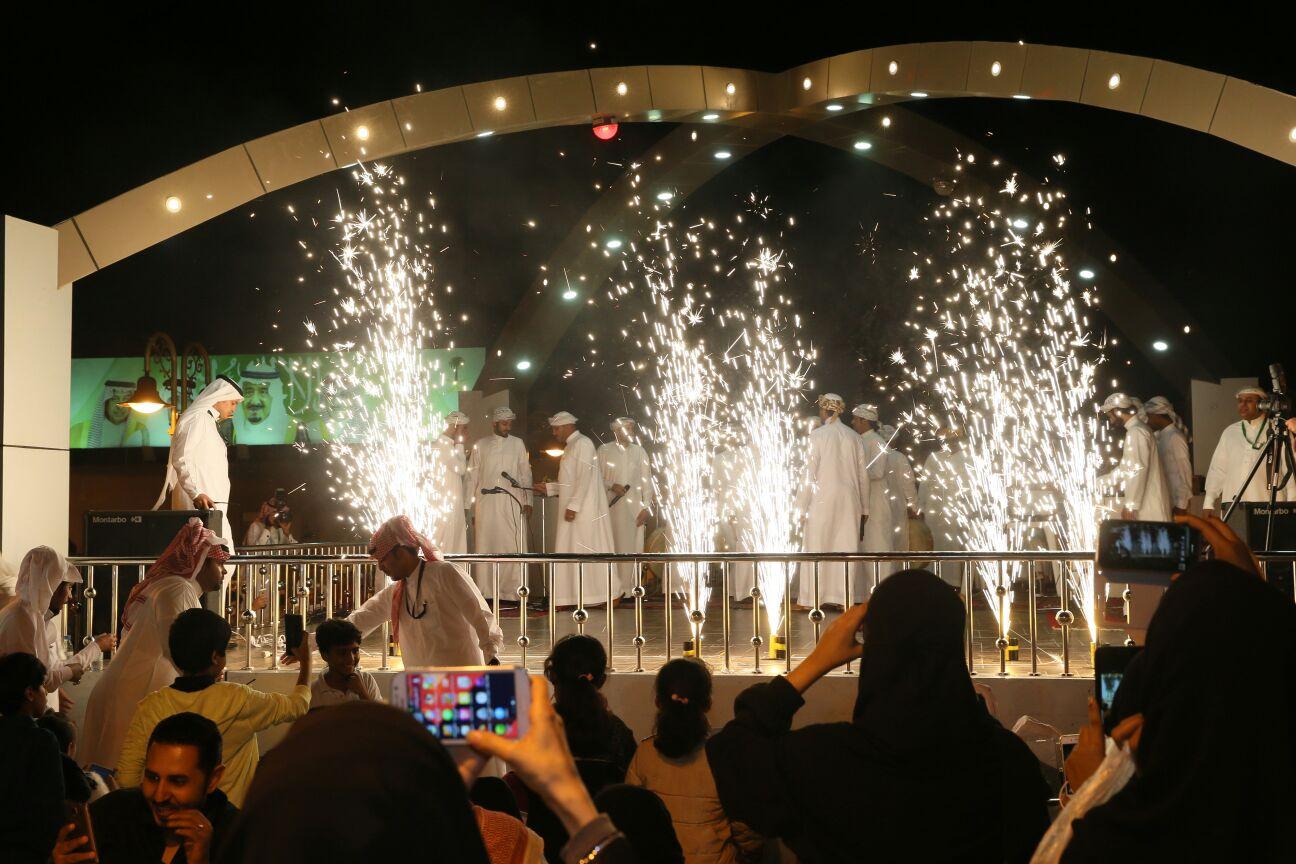 بالصور.. 25 ألف زائر يكتبون نجاح مهرجان رمان #الطائف - المواطن