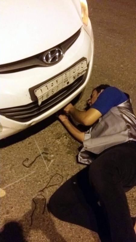 مهنيون سعوديون يجوبون الطرقات لإصلاح السيارات المتعطلة مجانا على الطرق المؤدية للحرم المكي 1