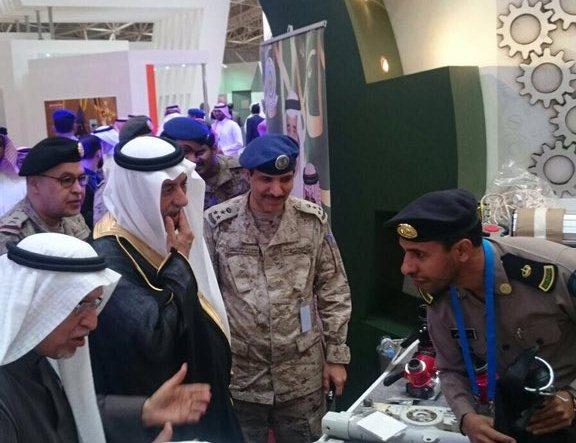 مواطنيين بمعرض القوات المسلحة لتوطين صناعة قطع الغيار (2)