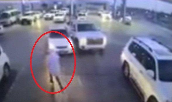 متداول.. مواطن يقفز داخل سيارته قبل سرقتها بلحظات
