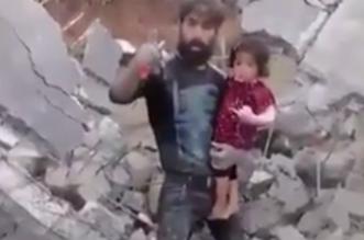 شاهد.. مواطن سوري يوجه رسالة قوية لبشار من وسط حطام منزله - المواطن