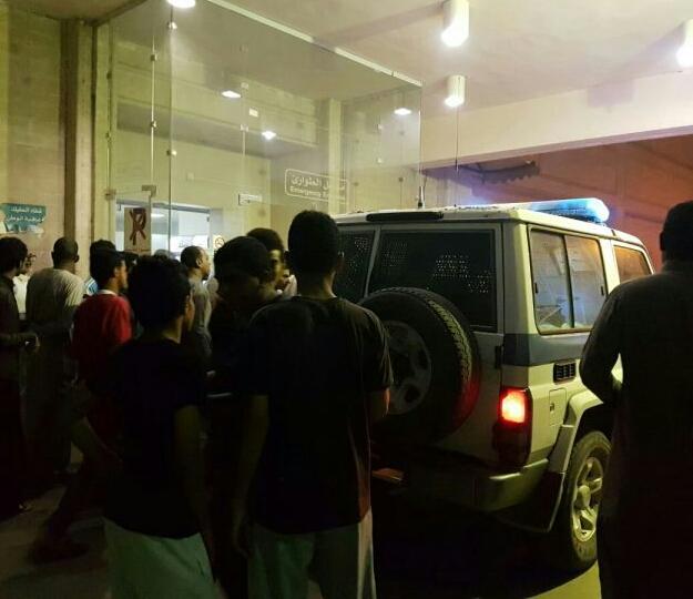 مواطن في حالة سكر يعتدي على موظفي طوارئ أبو عريش