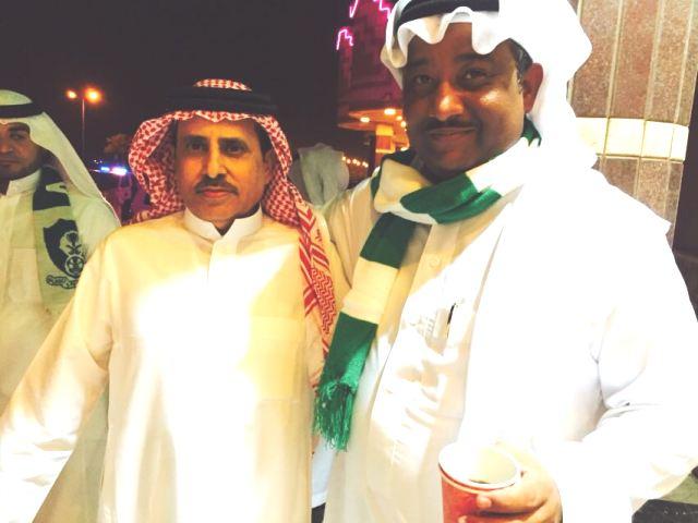 مواطن يكافئ عامله اليمني بخمسة آلاف لفوز الأهلي بكأس الملك (3)