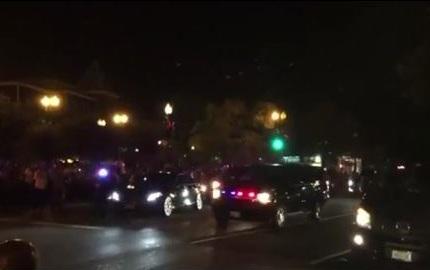 شاهد بالفيديو .. موكب #الملك_سلمان يغادر فندق فورسيزون في واشنطن - المواطن