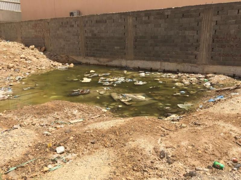 مياه الصرف الصحي بالدار البيضاء تؤرق نوم الأهالي وتدفعهم للرحيل 7