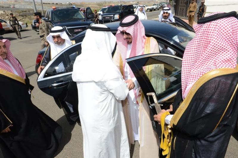 مير عسير يعزي أسرة أبو حمامة بمقر العزاء بحي المنسك