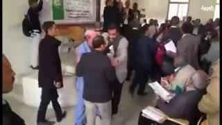 ميليشيا الحوثي تقتحم جامعة صنعاء وتهدد أساتذتها بالسلاح