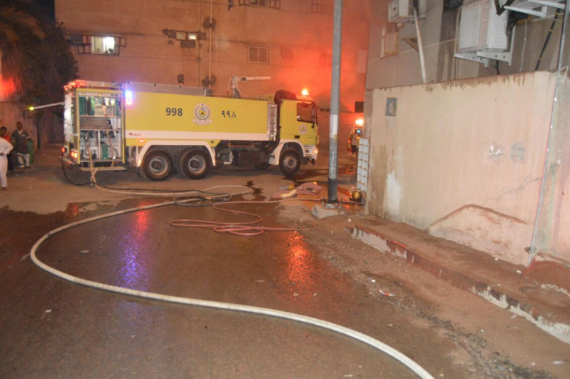 مُكيف يسبب حريقا في مبنى سكني بحي الشريبات 6