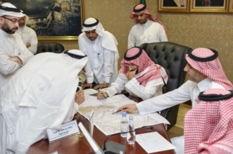 نائب أمير مكة ينقل اجتماعه إلى نقطة فرز قيد التطوير