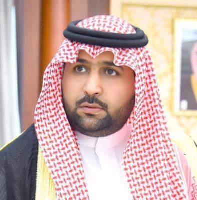 نائب أمير جازان ينقل تعازي القيادة لذوي الشهيد هديسي