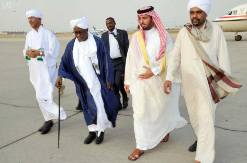 نائب رئيس جمهورية السودان يصل جدة 1