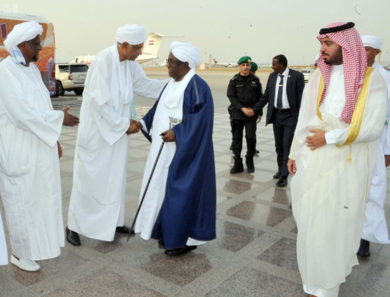 نائب رئيس جمهورية السودان يصل جدة 3