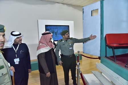 نائب رئيس مكافحة الفساد يزور جناح الجوازات بمهرجان الجنادرية (2)