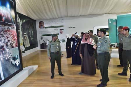 نائب رئيس مكافحة الفساد يزور جناح الجوازات بمهرجان الجنادرية (3)
