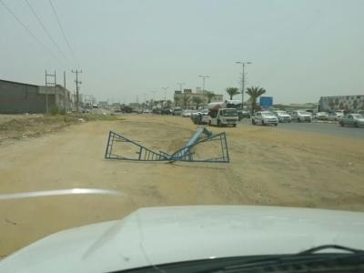 نجاة سائق ارتطمت مركبته بعمود بدولي #جازان3