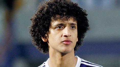 نجم الكرة الخليجية والمنتخب الإماراتي عمر عبدالرحمن