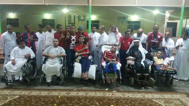 بالصور.. نزلاء التأهيل الشامل ودار المسنين يحتفلون بالعيد - المواطن