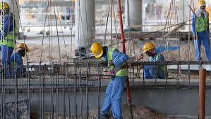بالفيديو.. نزوح جماعي للعمالة متعددة الجنسيات من قطر - المواطن