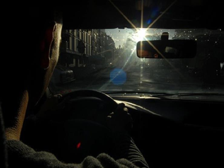 اصطحبها حتى في الشتاء.. مواصفات النظارات الشمسية لقيادة آمنة