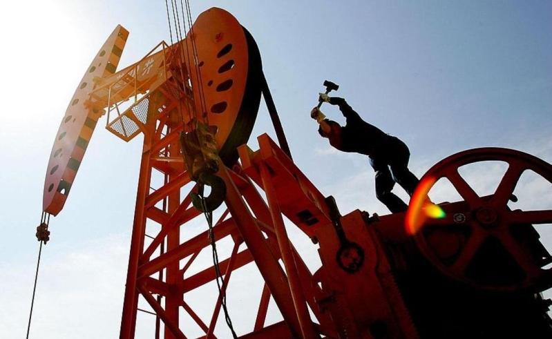 خبير دولي: المملكة سترفع سعر النفط إلى 100 دولار قبل اكتتاب آرامكو