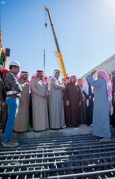 نفق الملك عبدالله وتقاطع الخماسية وعدداً من مشاريع وزارة النقل ببريدة