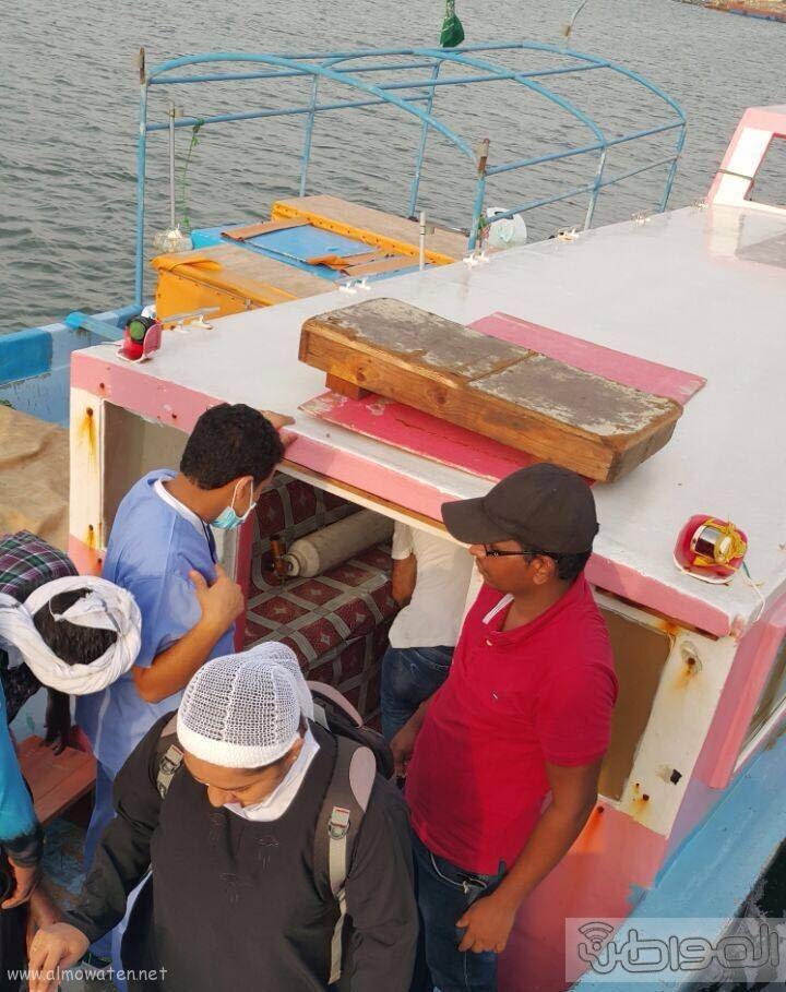 نقل رضيعة بحالة حرجة من فرسان بمركب مائي متهالك (9)