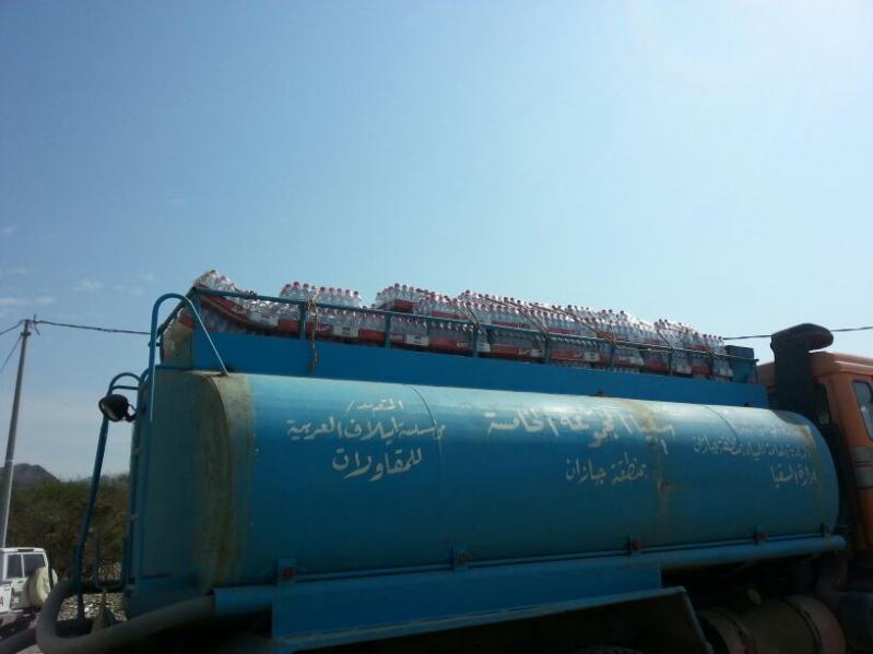 نقل مياه الشرب لطلاب الليث